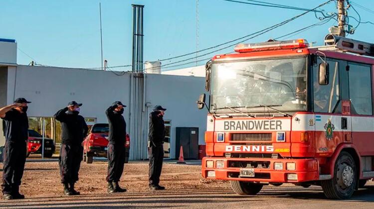 Nueva autobomba para Bomberos Voluntarios de Castex