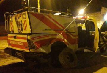 Chocó su automóvil contra un camión de bomberos