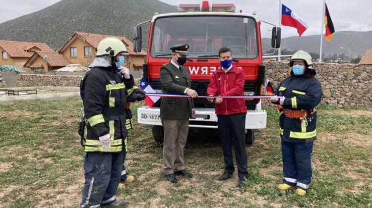 Futura compañia de bomberos de El Milagro recibe su primer carro