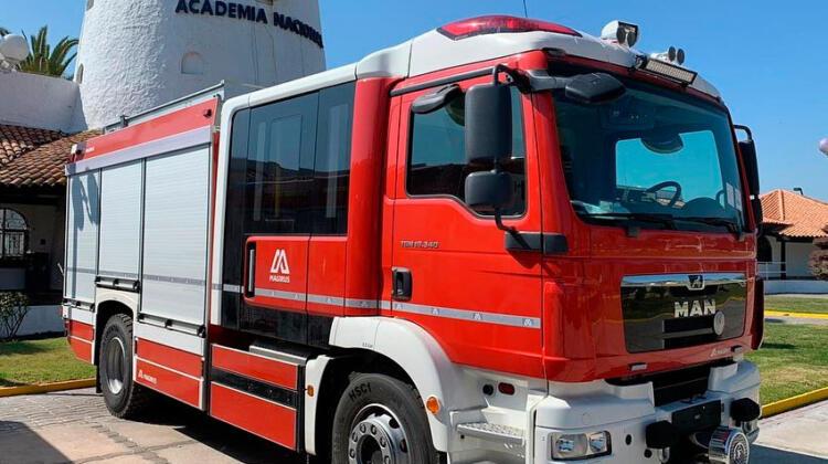 Se entregaron nuevos carros a de Bomberos de Conchalí-Huechuraba y Paine