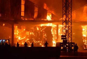 Devastador incendio consume por completo instalaciones de Cobadu