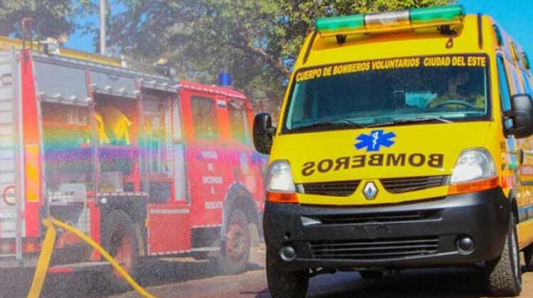 Bomberos Voluntarios de CDE inauguran renovada ambulancia