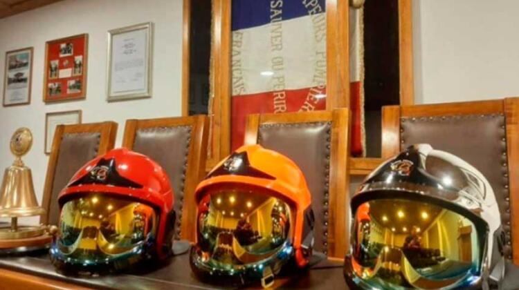 La Quinta Compañía de Bomberos adquirió cascos nuevos