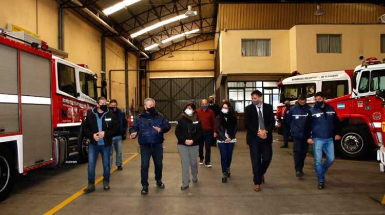 Autoridades del Ministerio de Seguridad visitaron a Bomberos