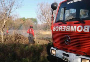 Catorce bomberos voluntarios aislados por casos de coronavirus