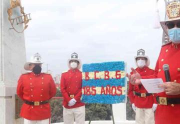 Bomberos fallecidos en época de pandemia fueron homenajeados