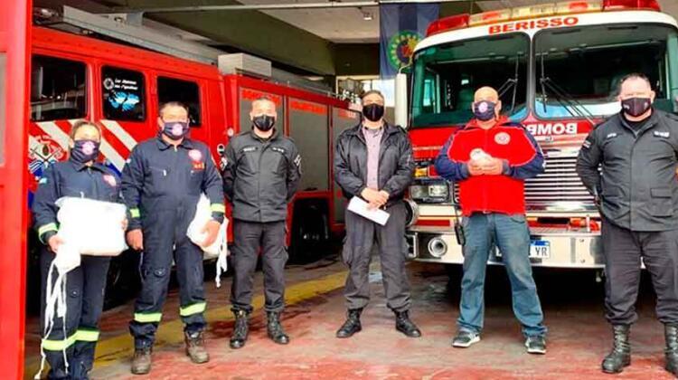 Presos elaboraron tapabocas para bomberos voluntarios