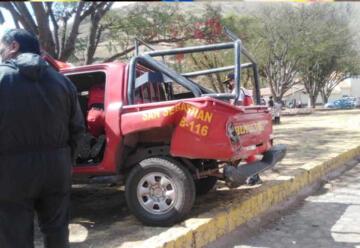 Accidente entre una unidad de bomberos y un Bus