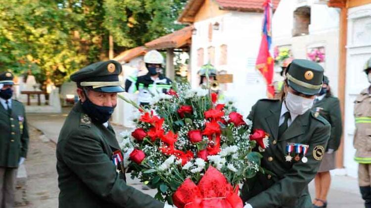 Bomberos de Chépica recordó a sus voluntarios fallecidos