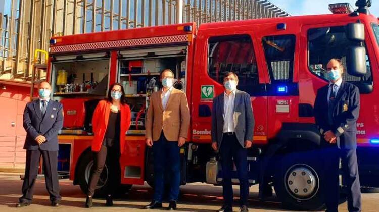 Bomberos de Palma con nuevo camión para intervenir en el puerto