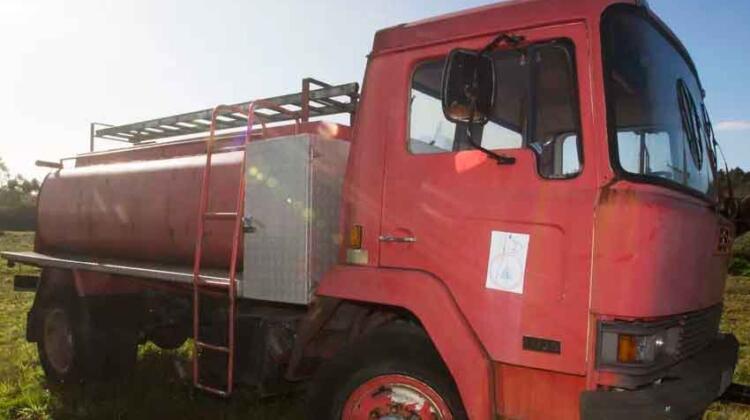Histórico camión de bomberos a la espera de ocupar el lugar que merece