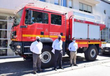 Nuevo Carro de bomberos se integra a la 3ra compañía de Los Ángeles
