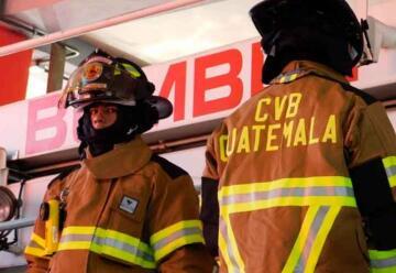 Dotan a Bomberos con equipo de protección contra incendios