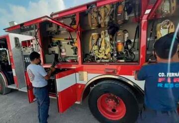 Bomberos buscan recursos para reparar sus vehículos