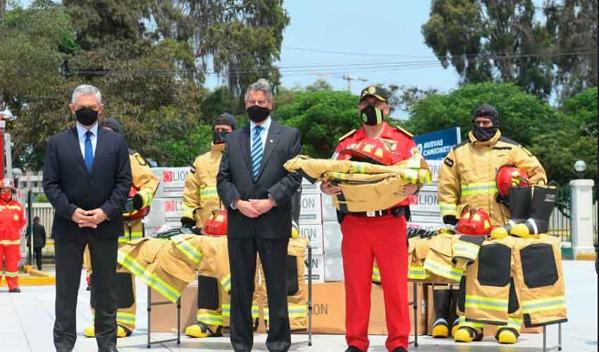Los Bomberos de Lima y Callao con nuevos equipos de Protección