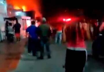 Siete muertos deja gran incendio en tres viviendas