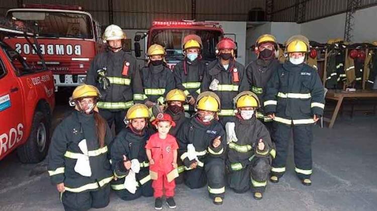 Bomberos Voluntarios le cumplieron el sueño a Luquitas