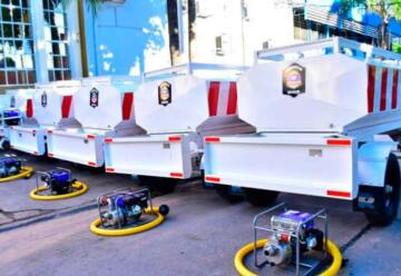 Entregan nuevos equipamientos e indumentaria para Bomberos de la Policía