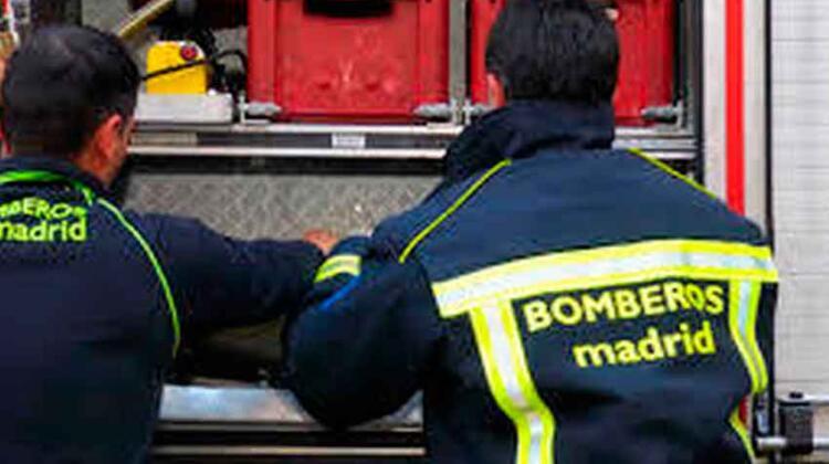 Dos bomberos heridos en un escape de gas en una casa