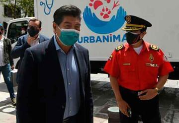 Bomberos de Quito donó un camión para el programa de esterilización animal