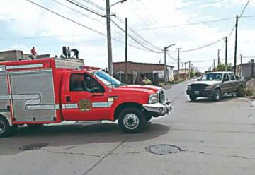 Un móvil de Bomberos de Trelew chocó con una camioneta