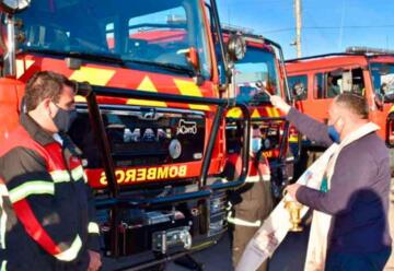 Bomberos de O'Higgins reciben siete carros de especialidad forestal