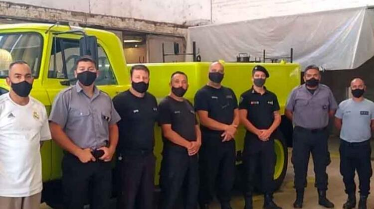 Internos de Batán restauraron una autobomba de Bomberos del Puerto