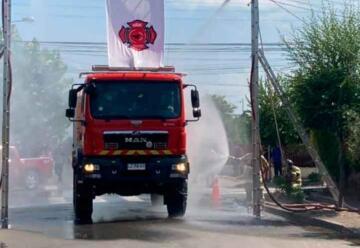 Cuarta compañía de Bomberos recibió nuevo carro de bomberos