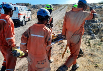 Bomberos de Puerto Madryn se capacitaron en derrumbes