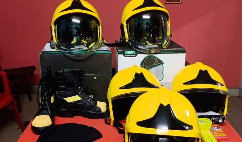 Bomberos de Colonia San Bartolomé realizó la compra de cascos MSA