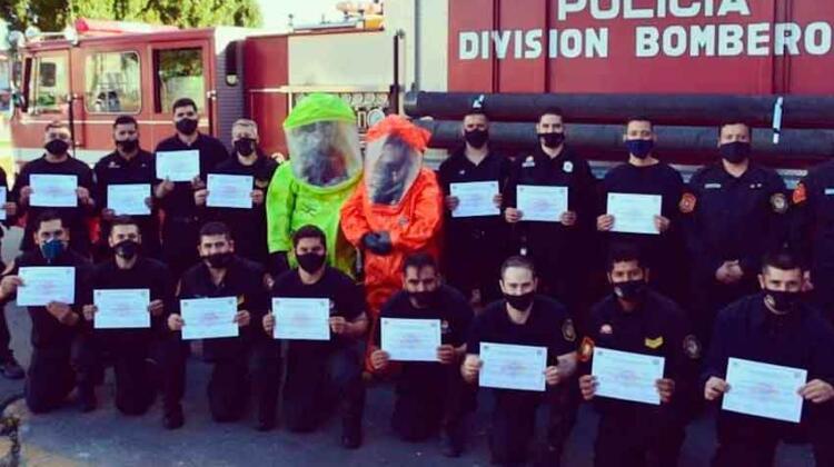 Capacitación a bomberos sobre materiales peligrosos