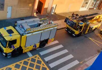 Roban un coche de Bomberos mientras atendían el incendio