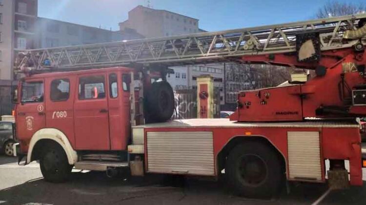 Bomberos de Ferrol se quedan sin camión escalera