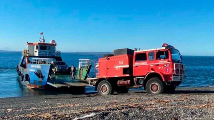 Isla Quenac recibe su primer carro bomba