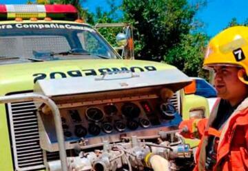 Clínica dona seguro médico a Bomberos de Caazapá