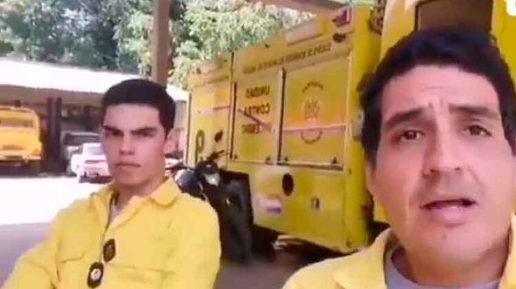 Bombero recibe ofertas laborales tras ser despedido por acudir a un incendio