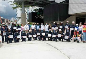 Pereira cuenta con bomberos certificados en rescate en cables aéreos