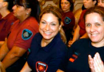 Las dos primeras mujeres en ser jefas de estación de bomberos