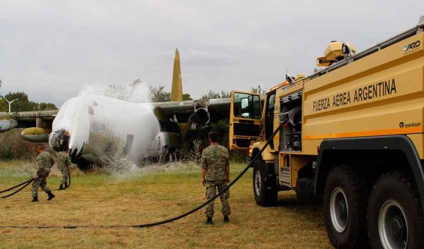 Entregan de tres unidades de Bomberos a la Fuera Aérea
