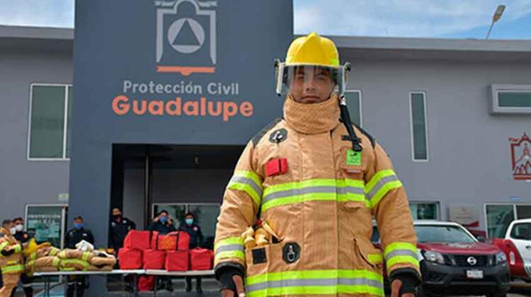 Entregan equipo de seguridad a bomberos de Guadalupe