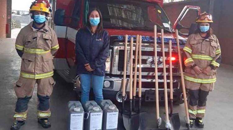Entregan herramientas a bomberos de Chépica y Peumo