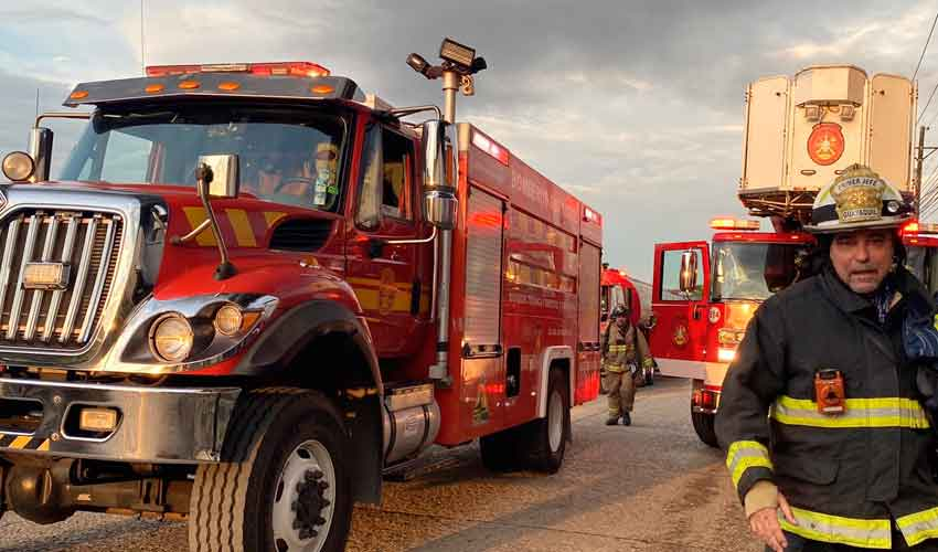 400 bomberos combatieron incendio en zona industrial