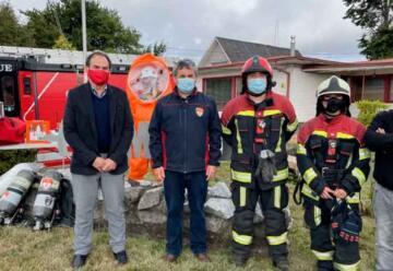 Donan equipamiento para emergencias químicas a Bomberos