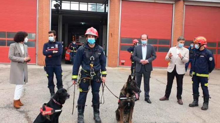 Bomberos de Guadalajara cuentan ya con una unidad canina