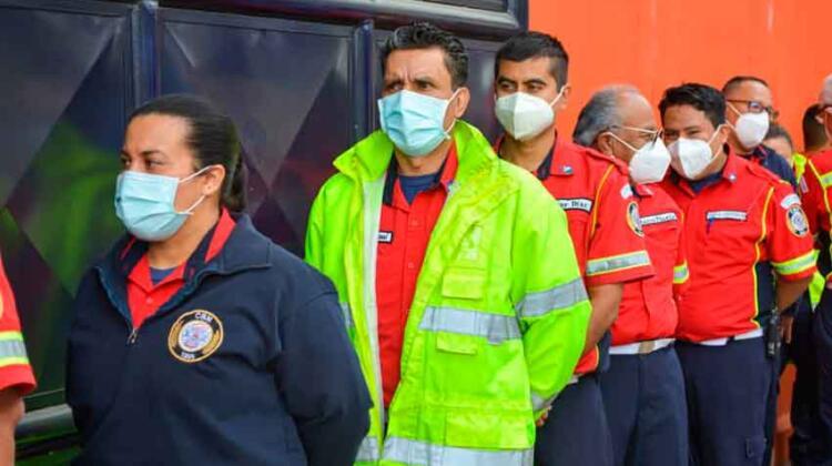 COVID-19: Ministerio de Salud vacuna a bomberos municipales