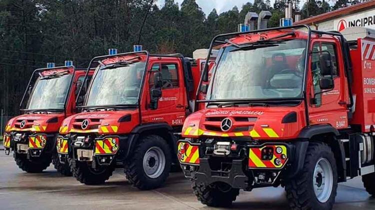 Bomberos de Navarra estrenan nuevos vehículos de emergencias