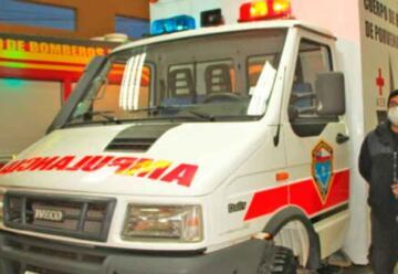 Bomberos de Porvenir puso en servicio una nueva ambulancia