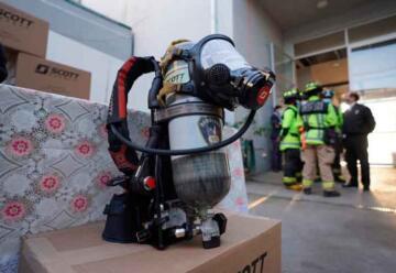 Entregan $2 mil millones para bomberos en la región