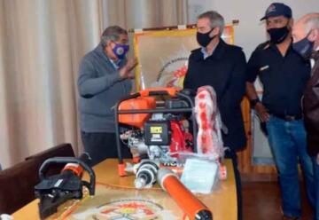 Donan equipamiento a los Bomberos de Comodoro Rivadavia