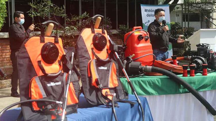 equipos Vallfirest a Bomberos del Valle de Cauca